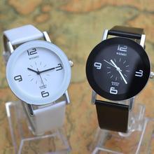 Moda pequeño reloj de cuero suave de la PU nuevo Popular de corea hombres y mujeres pareja de gama alta de relojes deportivos estudiante WH-060