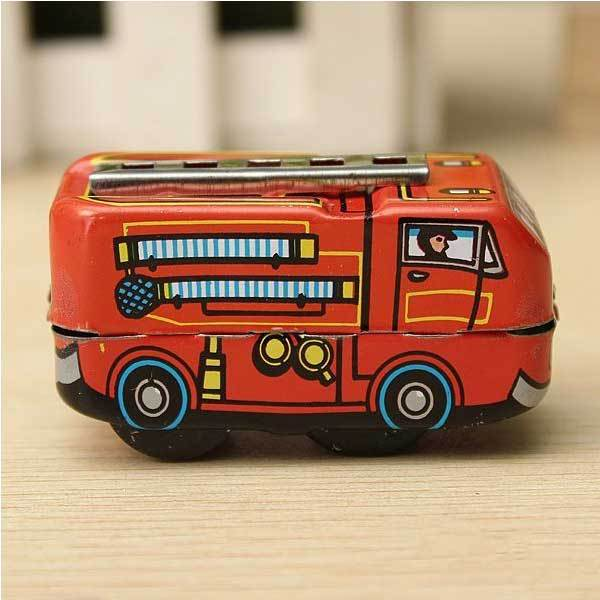 Altama Vintage Fire Chief Firefighter Car Truck Clockwork Wind Up Tin Toys(China (Mainland))