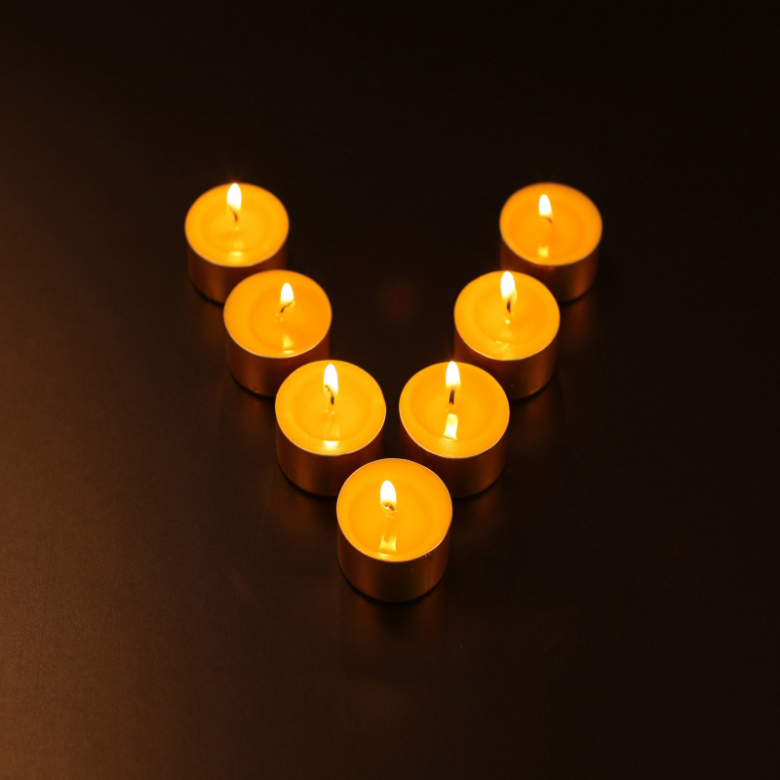 100% Natural Butter Lamp Candles, 100 Pieces Per Box, Each Piece About 3.5 Hours Burning, Two Colors To Choose, Buddha Supply(China (Mainland))