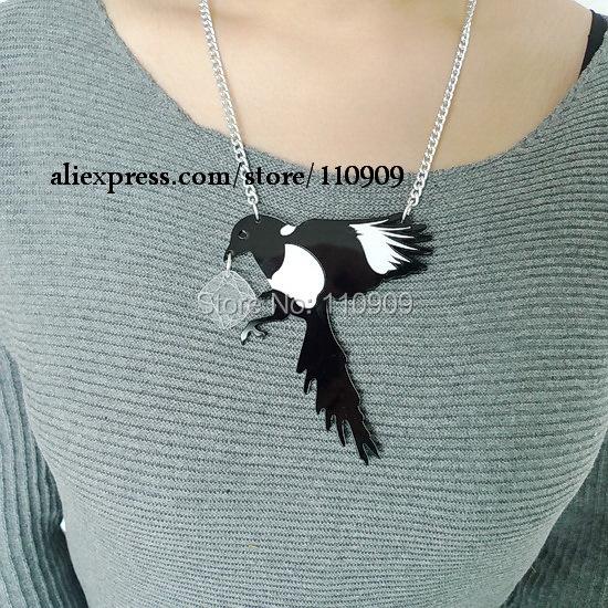 160N Acryli laser jewlery bird pendat necklace