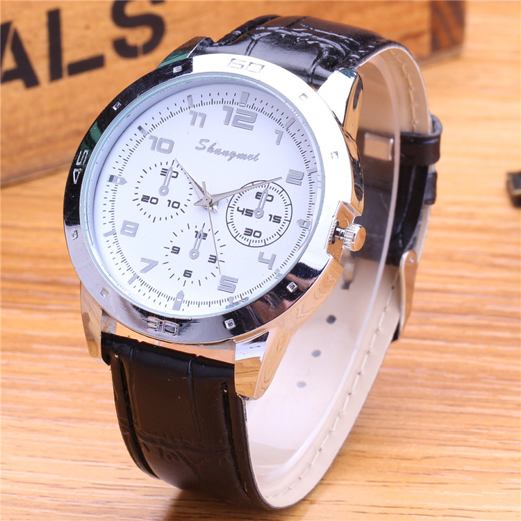 Mens Watches Top Brand Luxury Fashion Quartz Watch Men Leather Military Watches Decorated Three Eyes Dress