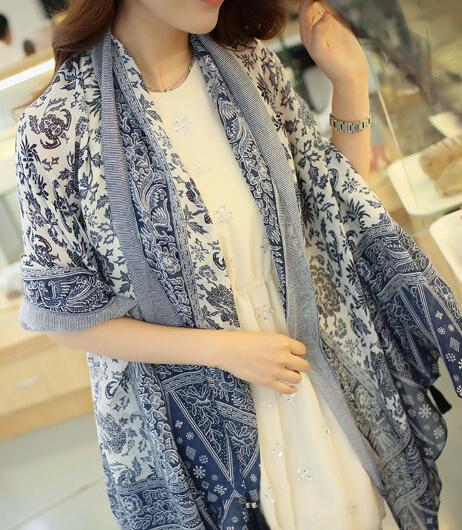 Горячая распродажа! Старинные национальные тенденции и белого фарфора жидкость кисточкой шарф большой и элегантный мыс полиэстер шарф женский