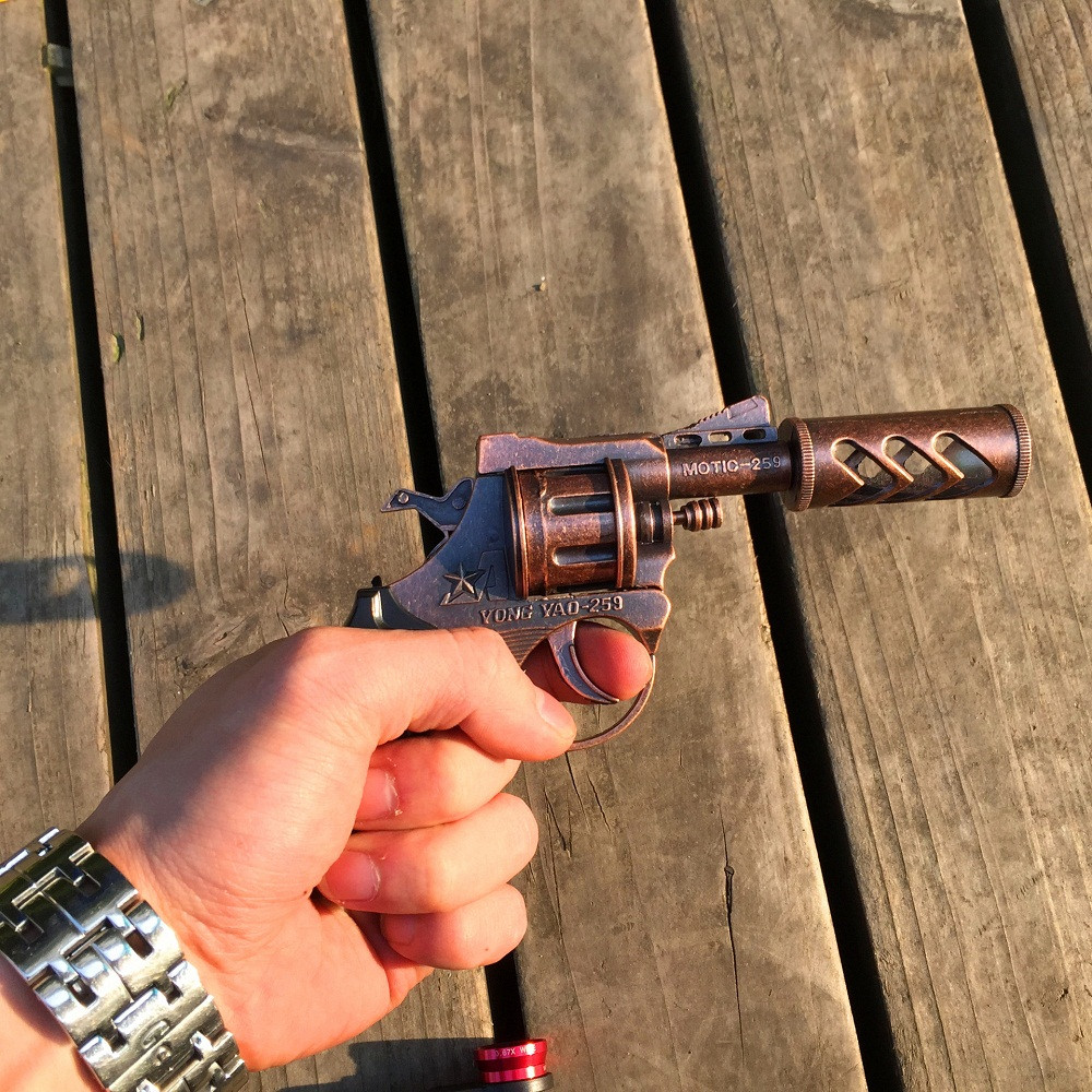 16cm Classica Metal Short Gun Toy Revolver Hit A Section With A Decorative Fire Cap Gun Toy Revolvers Can Not Launch Boys Gift(China (Mainland))