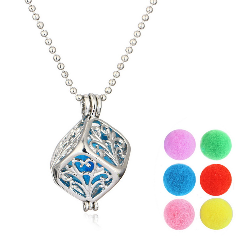 Vintage Hollow Locket Necklace Women Essential Oil Diffuser Perfume Fragrance Aromatherapy Locket Pendant Necklace For Women(China (Mainland))