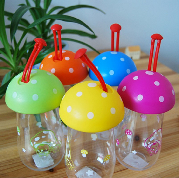 300ml Mushroom Shape Portable Dust Cap Water Bottle 5 Color Plastic Cheap Sport Shatter proof Tour Camp Space Cup Water Kettle(China (Mainland))