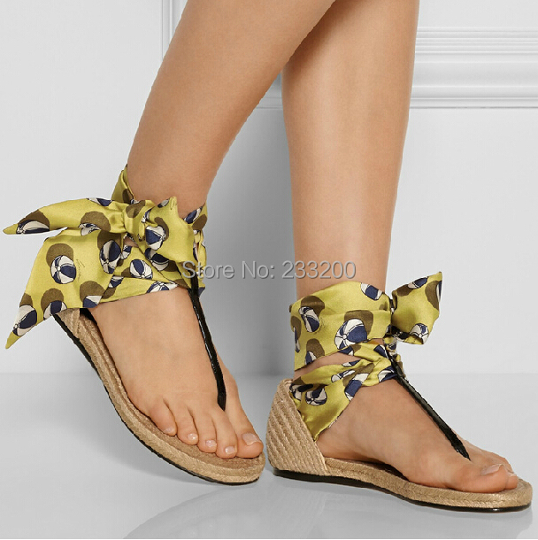 Model Wallpapers Women Flat Sandals 2014