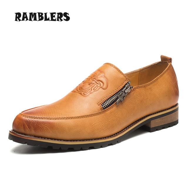 Точка ног мужчины из натуральной кожи квартиры мода оксфорды туфли на платформе свободного ...