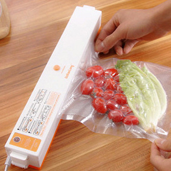 2016 New Household Food Vacuum Sealer Packaging Machine Automatic Electric Film Food Sealer Vacuum Packer Including 15Pcs Bags(China (Mainland))