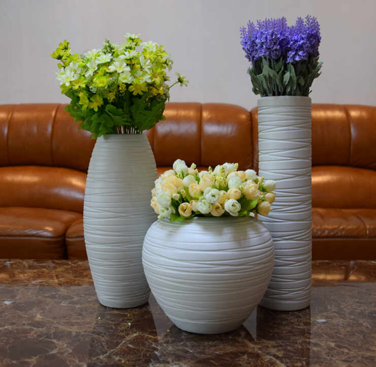 Fashion porcelain vase ceramic home decoration hollow out decorations with liquid gold roses,free shipping,fashion gift(China (Mainland))