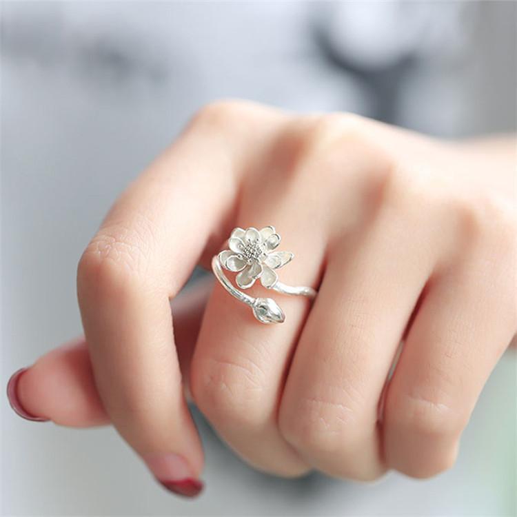 achetez en gros fleur de lotus anneau en ligne des grossistes fleur de lotus anneau chinois. Black Bedroom Furniture Sets. Home Design Ideas