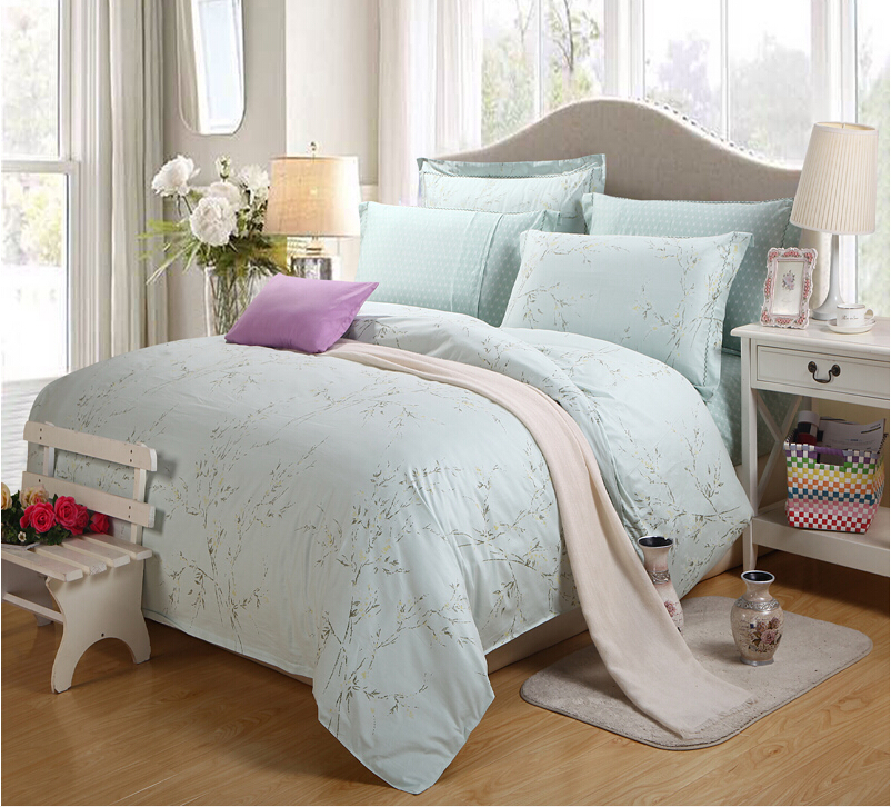 Factory Direct Designer Blue Bedding Set Embroidery