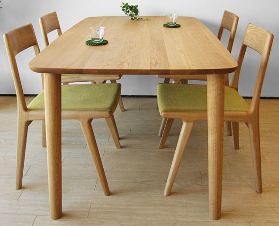 table a manger en bois moderne. Black Bedroom Furniture Sets. Home Design Ideas