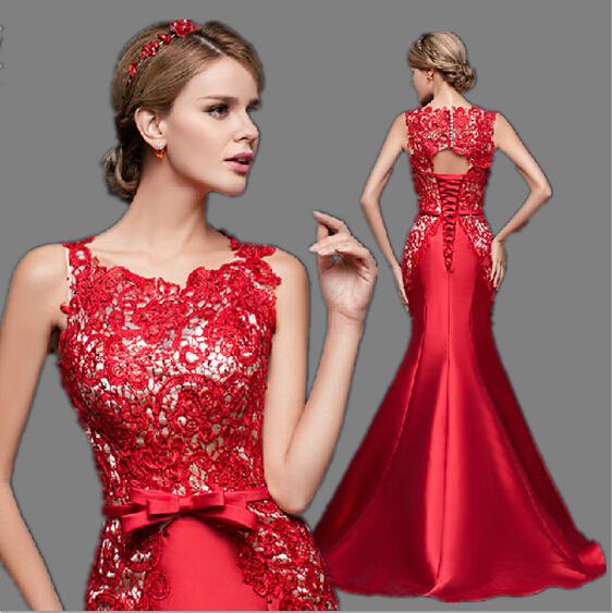 Vestido de noche rojo con dorado color
