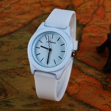 Venta Drop Shipping Hot estilo clásico ginebra la jalea del silicón reloj mujeres moda Casual hermoso Color de cuarzo reloj de pulsera