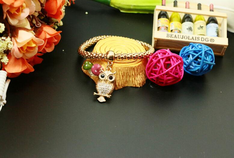 Best 2015 trendy wild animal friend letter alloy elegant gold 4 snake chain women stardust fit european charm bead bracelet(China (Mainland))