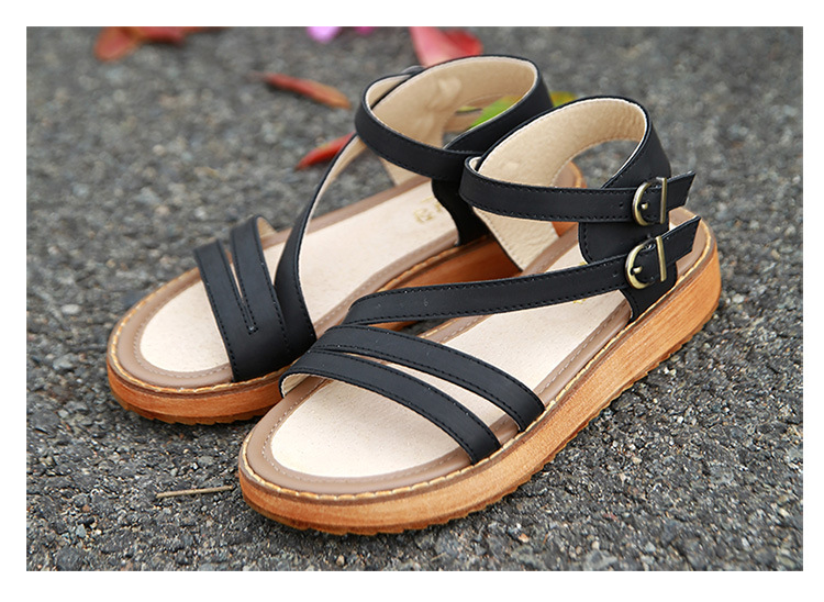 Plus Size 35-43 Buckle Strap Leather Soft Sandals Flat Open Toe Summer Platform Shoes Women Walking Casual Flat Sandals Muffin