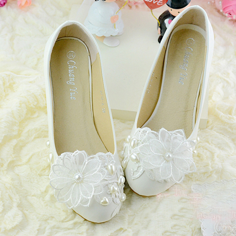 Autumn lace flower beautiful bridesmaid shoes white middle for Heels for wedding dress