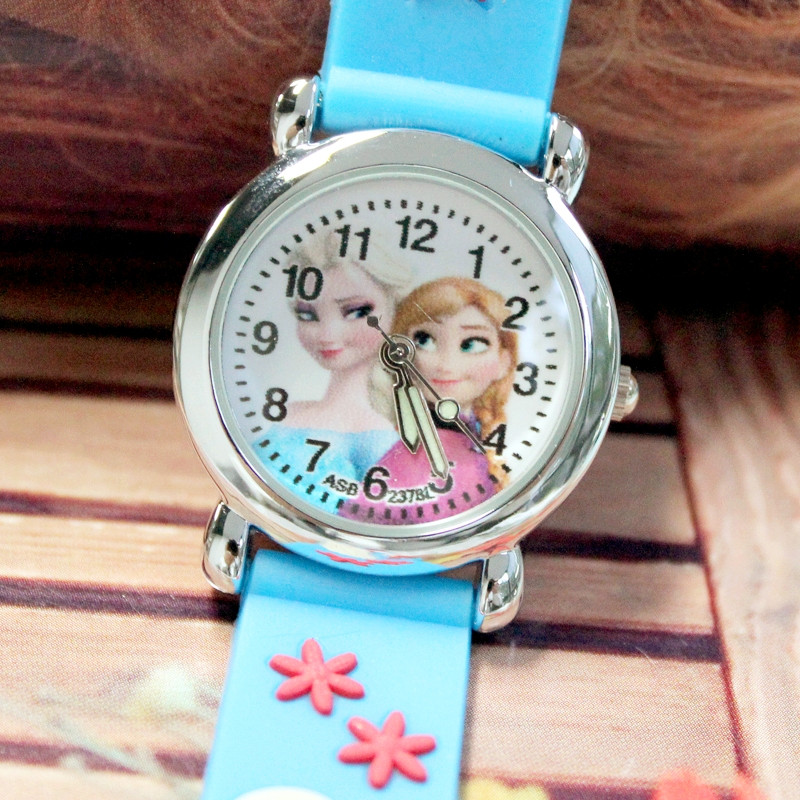 100pcs/lot Hot Sale Girls jelly watches 9 colors silicone cartoon charaters children waterproof watch glow in the dark Wholesale(China (Mainland))