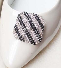 Бесплатная доставка ( 1 пара/лот ) 2 цвет высокая - класс алмаз хрустальная туфелька цветы большой палец обувь клип аксессуары