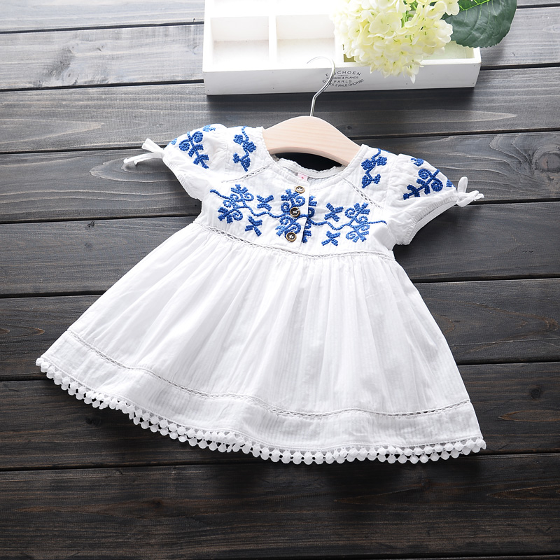 Vintage Embroidery Flower Princess Dress Cute Ball Gown Kids Clothes Girls Puff Sleeve Robe Princess White Infant Dress