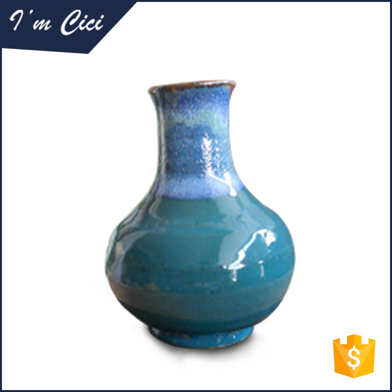 Classis Handcrafted Table Top Chinese Porcelain Glazed Flower Vases