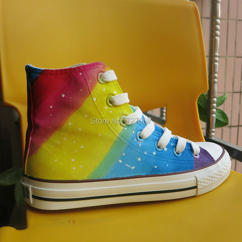High Top Lace-Up Style Women Rainbow Graffiti Canvas Shoes Colorful Gradient Hand Painted Casual Shoes Breathable Flat Shoe