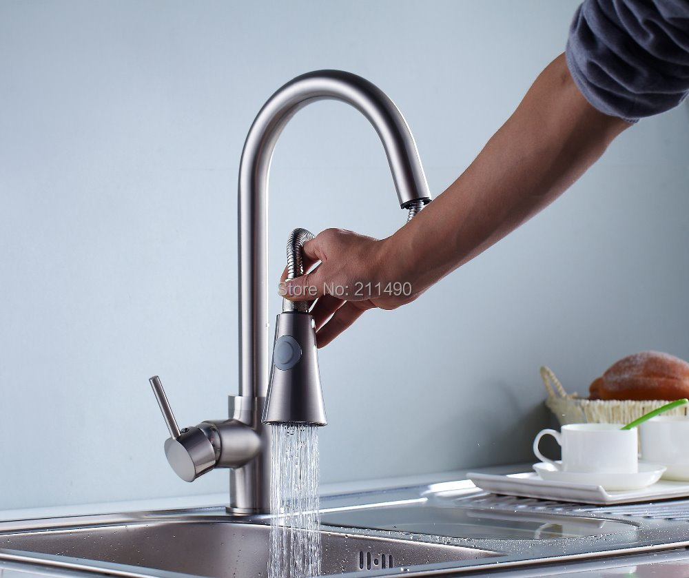 Free Shipping Contemporary Chrome Finish Brass Single Hole one Handle Pullout Spray Kitchen Faucet(China (Mainland))