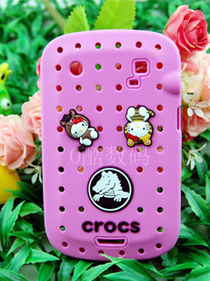 croc shoes For Blackberry 9900 9930 Hello Kitty doll mobile phone sets of silicone crocodile(China (Mainland))