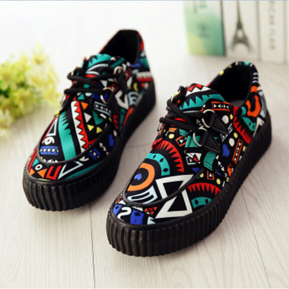 New Design Casual Graffiti Painted Women Sneakers Platform Elevator Shoes Fashion Personality Lace Up Low Top