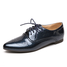 New arrive women white flat shoes lace up pointed toe black patent leather brogues women loafers british style lady oxford shoes