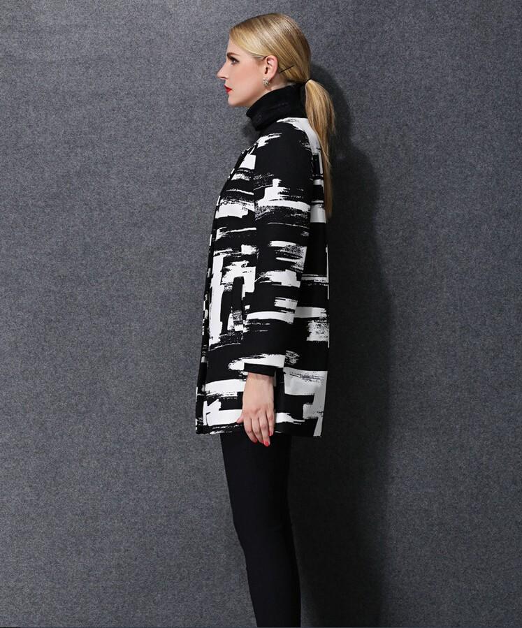 Europe 2016 hot sell new autumn/winter fashion women clothing elegant printed round neck long sleeve coat loose big yards D-0992