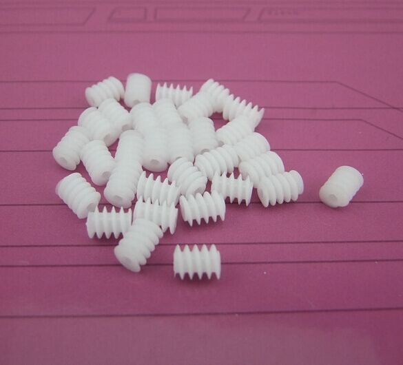 50pcs/lot The main shaft worm gear W6X82A plastic gear 6 x 8-2A DIY toy ship model cars accessories handmade free shipping(China (Mainland))