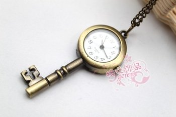 Free shipping & Antique Key pocket watch Alloy  jewelry  Pendant watch necklace Brooch Fashion accessory