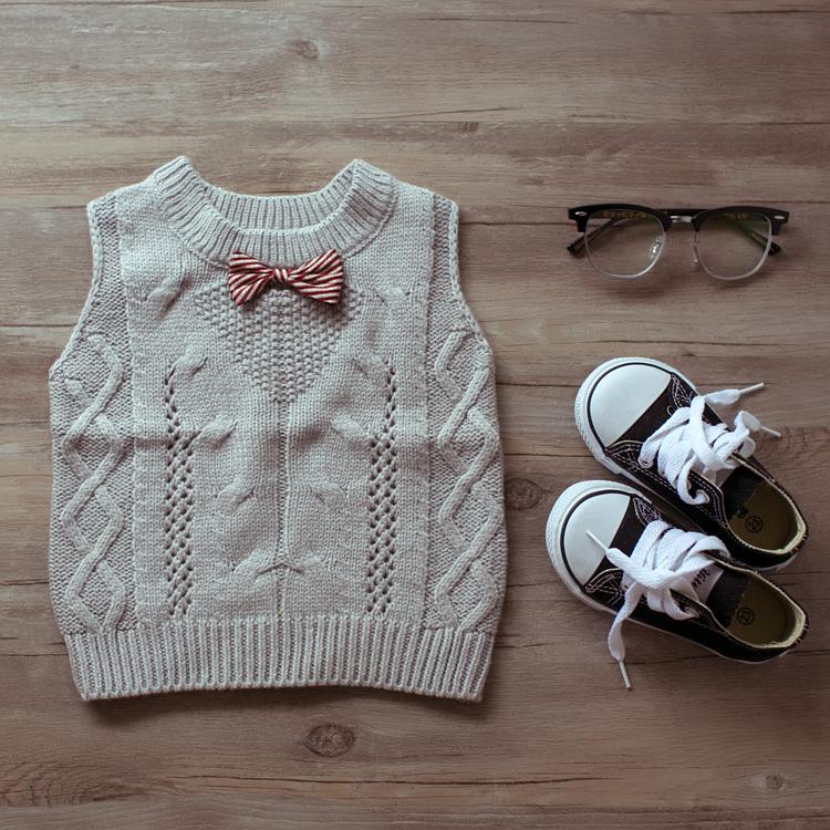 Children's sweaters kids vest sweater , boys and girls children baby bow sweater Knitting(China (Mainland))