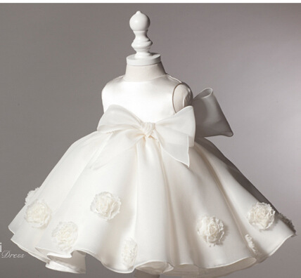 2015 New fashion white splendid child dress for princess girl party dress wholesale ruffle boutique flower girl dress (UK0265)(China (Mainland))