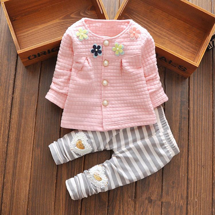 Гаджет  2015 New Baby Cothes Girls Flower Suit Cardigan + Pants 2pcs / set infant jacket  Kids clothes Striped Pants free shipping None Детские товары