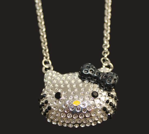 Black Bow Crystal Hello Kitty Necklace(China (Mainland))