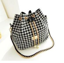 2016 New National Chain Bucket Canvas Women Messenger Bags Fashion Casual Black and White Plaid Canvas Women's Crossbody Bag