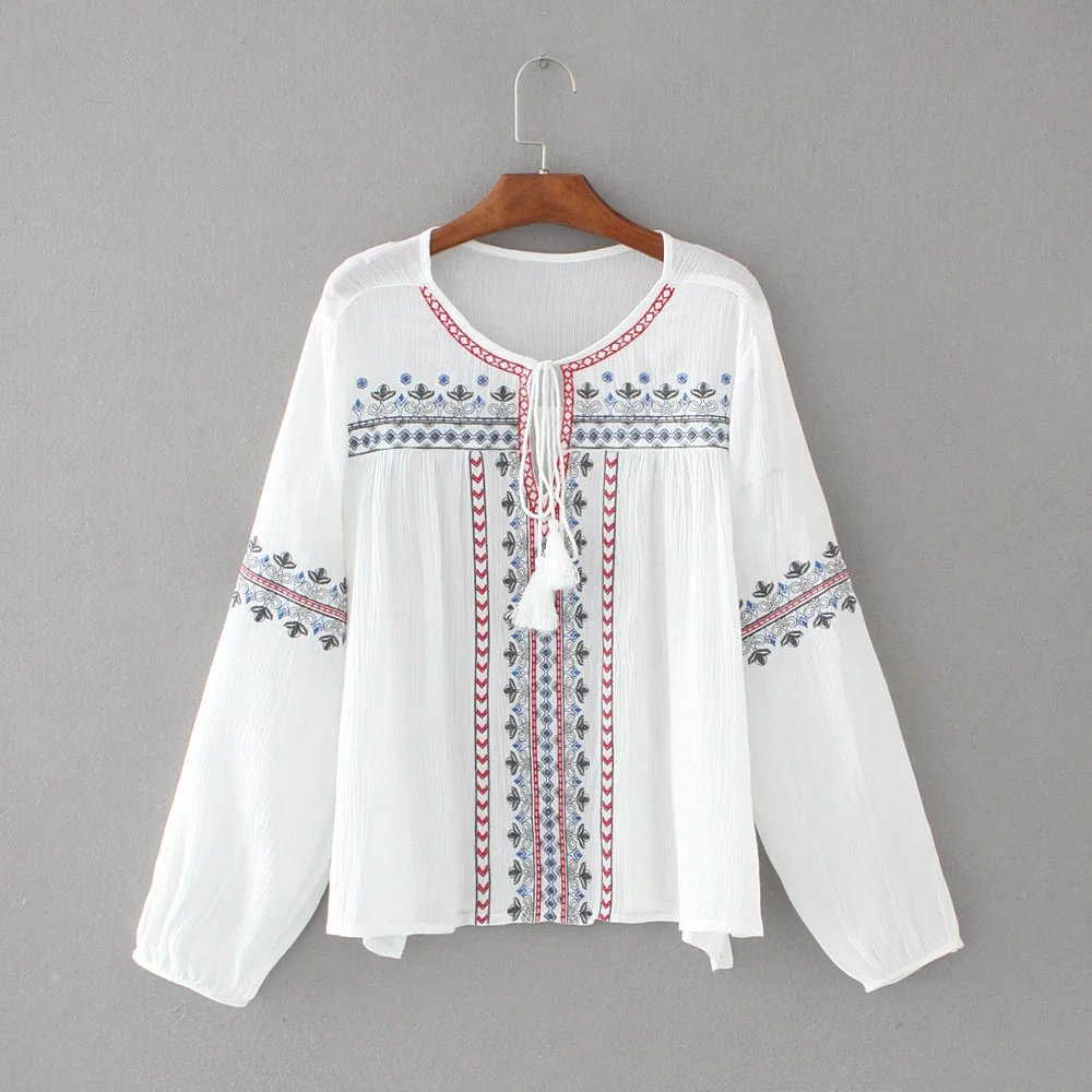 2017 Spring New European Style Women Fashion Round Collar Long Sleeve Ethnic Embroidery Casual Shirts & Blouse Clothing