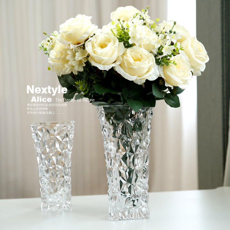 Bohemia engraved designs High quality household love transparent glass crystal , hand-cut vases, flower receptacle(China (Mainland))