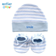 Luvable Friends Hats & Caps With Bootie Set Pink Color Polka Dot Baby Hat $ Booties Set 0-6 Months Free Shipping(China (Mainland))