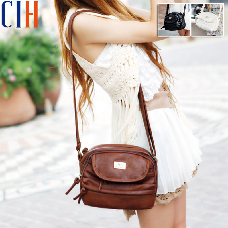 Charm in hands! 2015 New Mini Korean Style Women Messenger Bags Retro Japanese Popular Women Bag Good Quality Bolsas LS1754C(China (Mainland))