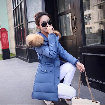 Фотография Large Raccoon Fur Hood Parka Nice New Long Winter Jacket Women Warm Thick Parka White Duck Down Women