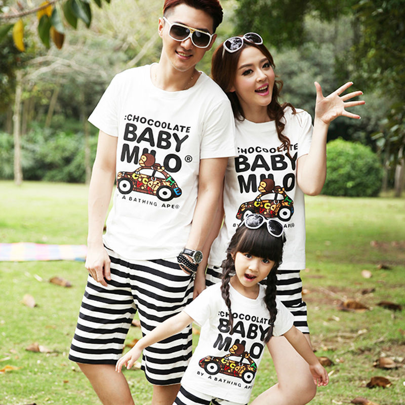 family matching outfits  o-neck t shirt cotton family clothing for dad mom and children