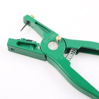 Ear tag pliers Animal Control Device Green Metal ear thorn tongs Swine Cow Sheep Rabbit Identification tool Free shipping