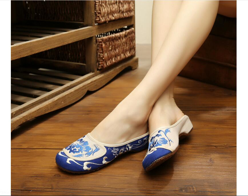 Low Wedges Women's nice embroidered slippers! National Lady Leisure Embroider Sandals canvas slides Chinese element embroidered(China (Mainland))