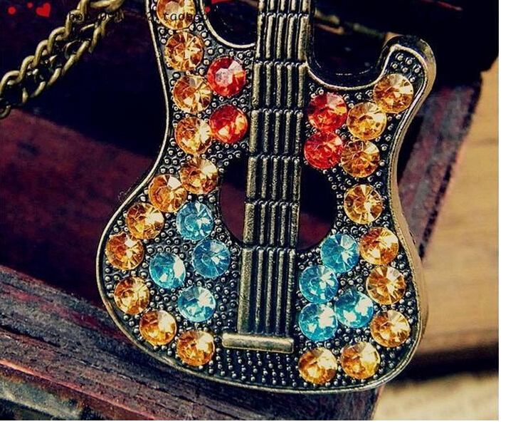 2015 MOQ10Pcs Punk Retro Multicolor Rhinestone Guitar Necklace Gold Plated Link Chain Women Jewely Necklace Black and Silve(China (Mainland))