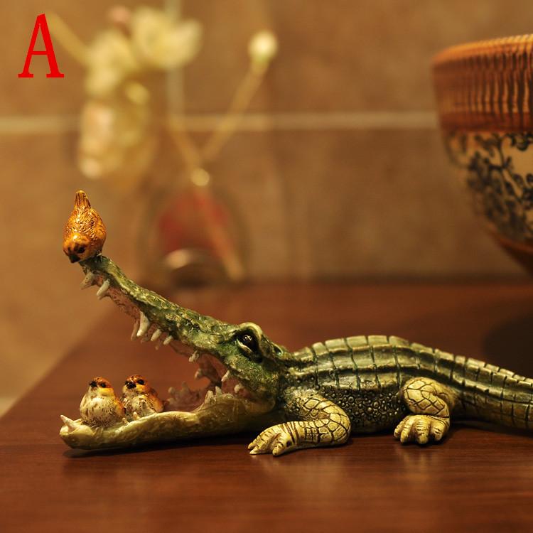 Creative Resin Crafts Home Furnishing Creative Living Room Resin Crafts Decoration Cute Animal Crocodile Decoration(China (Mainland))