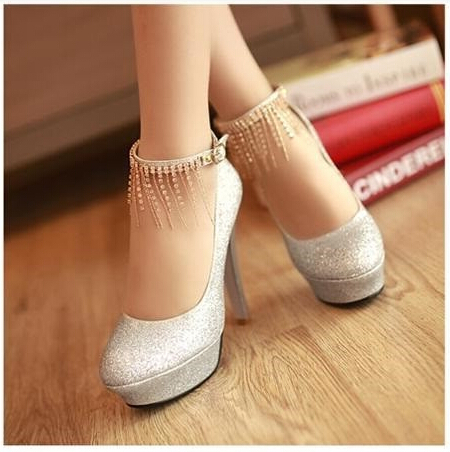 Free shipping, 2016 new red bride wedding shoes, waterproof Taiwan diamond hanging silver glass slipper, golden pumps.(China (Mainland))