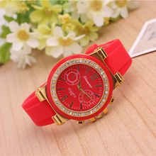 2016 simple watch Ms Leisure watches diamond encrusted noble quality silicone strap both men and women